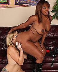 Adrianna Nicole & Sinnamon Love